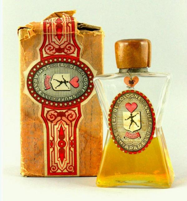 Raymond-Lowey-Snuff-bottle-w-box